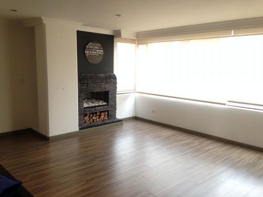 Apartamento en Arriendo/venta - Bogota, Santa Barbara 642-3046