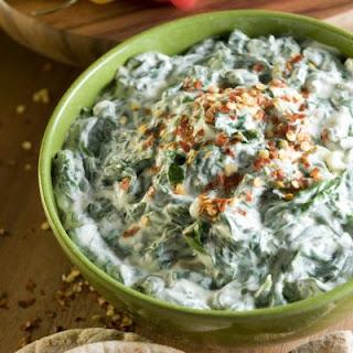 Copycat Ruby Tuesday's Spinach Artichoke Dip