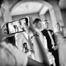 Wedding photographer Magdalena Gheonea (magdagheonea). Photo of 11.04.2018