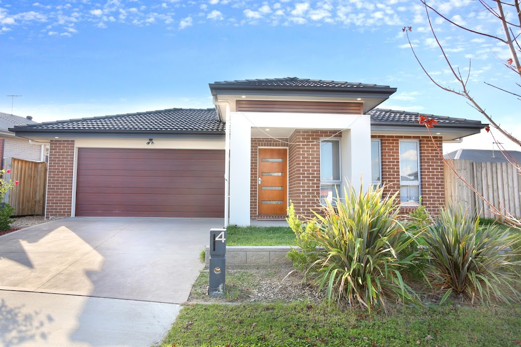 Main photo of property at 4 Milky Way, Campbelltown 2560