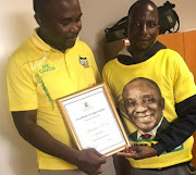 The ANC greater Johannesburg region moved swiftly to award Vincent Cosa a certificate of bravery on Monday. The party shared a picture of the hero dressed in an ANC election T-shirt.