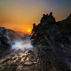 Splash  by Alfon Adalah Klepon - Landscapes Sunsets & Sunrises ( indonesia, blue hour, sunset, java, beach,  )