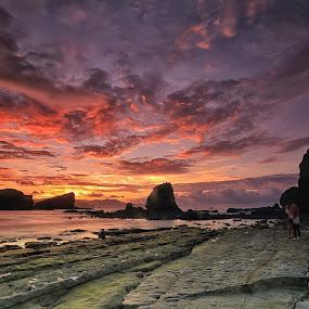 Sunrise Sky by Ina Herliana Koswara - Landscapes Sunsets & Sunrises ( sky, seascape, beach, sunrise, morning, landscape )