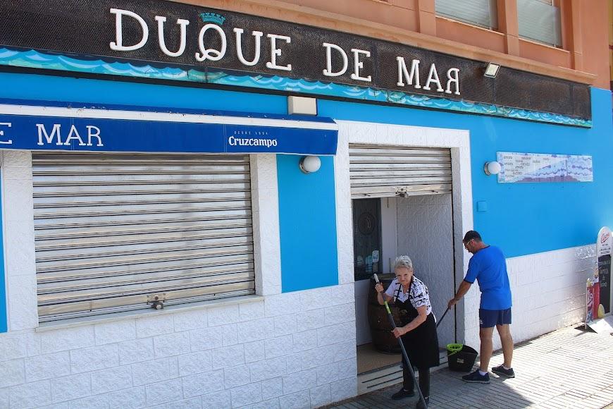 Duque de Mar, bar ubicado en el Paseo Marítimo Carmen de Burgos, Almería.