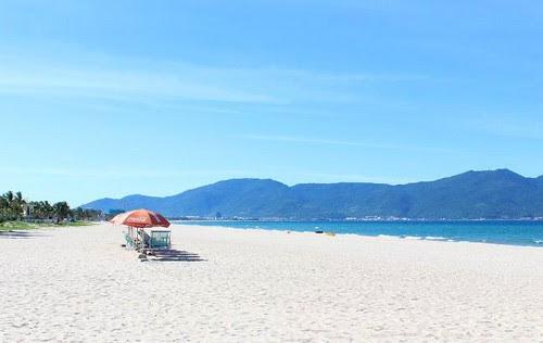 Bãi biển Mỹ Khê Đà Nẵng lọt top 10 bãi biển đẹp