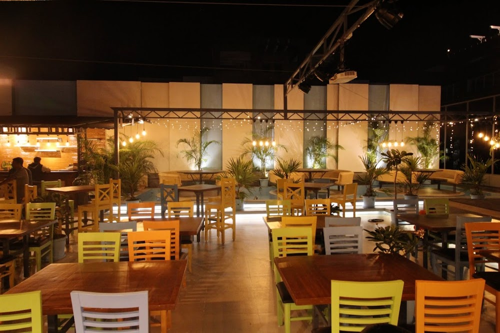 sports-bars-pune-Classic_Rock_Coffee_Co.