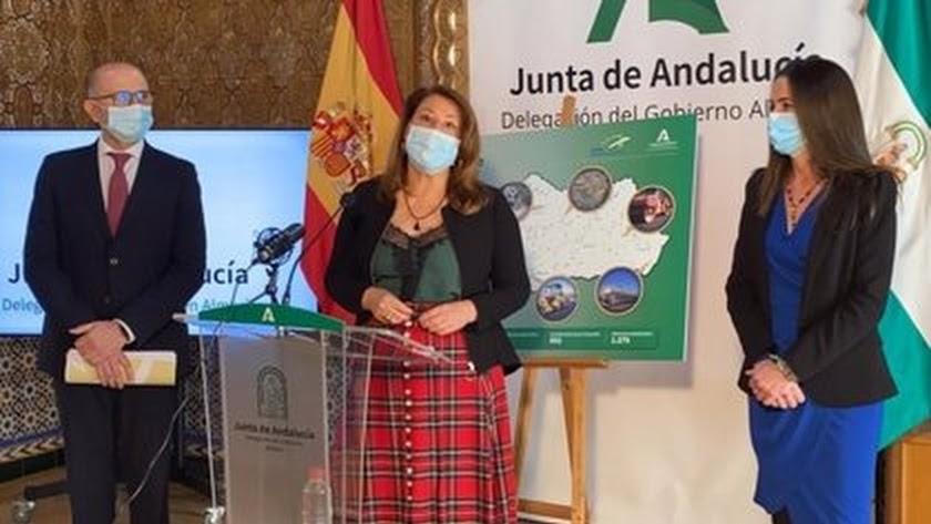 Carmen Crespo, en rueda de prensa en Almería.