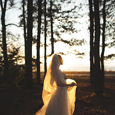 Wedding photographer Irina Kostyuk (sunlove). Photo of 03.10.2014