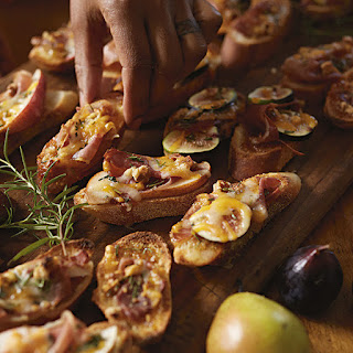 Fig-Prosciutto Crostini