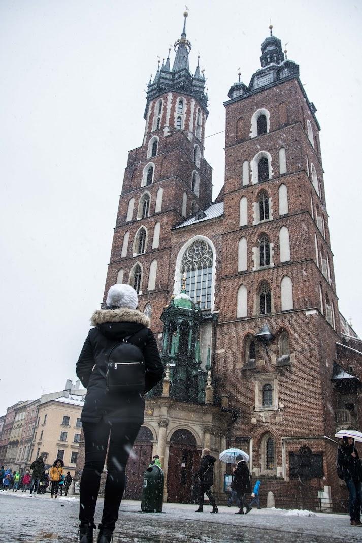 st mary basilica in winter krakow