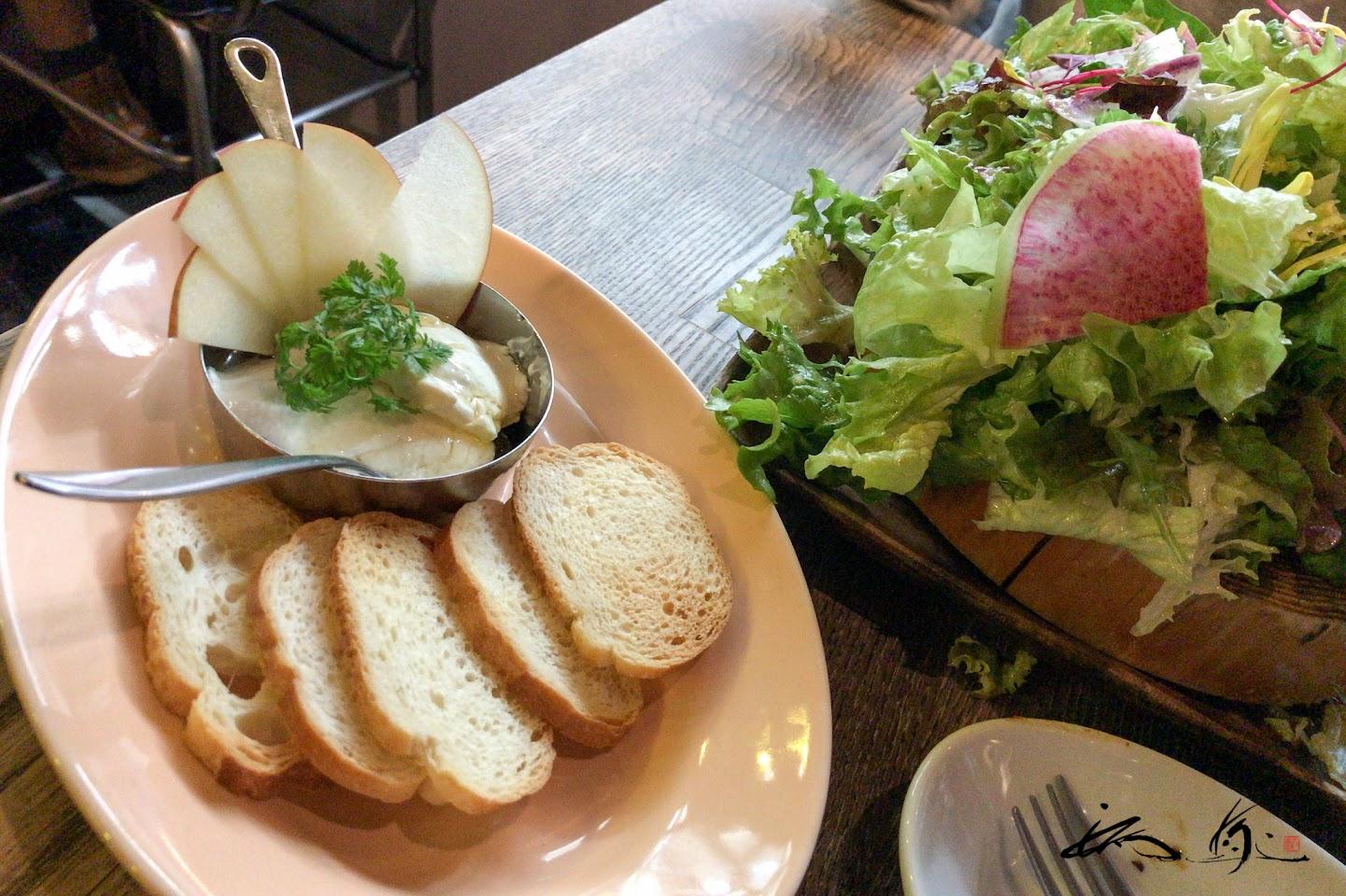 チーズ豆腐&バケット