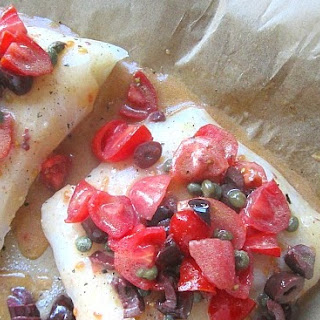 Halibut w/ Cherry Tomatoes, Capers & Olives