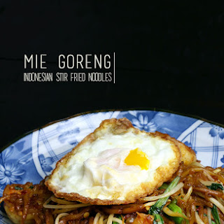 Mie Goreng (Indonesian Stir-fried Noodles)