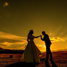 Wedding photographer Adrian Fluture (AdrianFluture). Photo of 23.10.2017