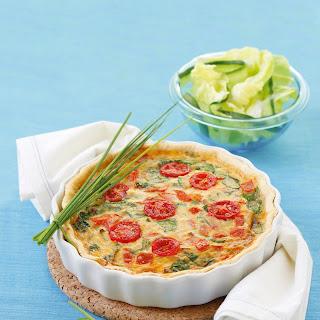 Quiche mit Tomaten und Blattspinat