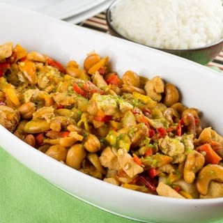 Sweet and Spicy Cashew Chicken with Peppers