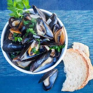 Mussels in white wine #FreshTastyValentines