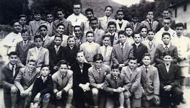 Photo: Colección de  FEDERICO VARA SANTAMARIA, de la generación 1957-1960 que llegó a la Virgen del Camino en Noviembre de 1957,  ldeliciosa fotografía que titula PRIMAVERA 1957, CORIAS->VIRGEN D.C. (auténtica joya).