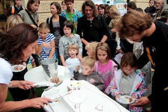 Photo: Se nam že cedijo sline ob torti velikanki.