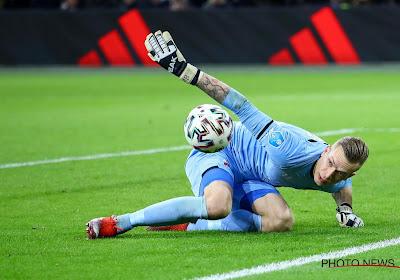 Marco Bizot en larmes après la victoire de l'AZ contre l'Ajax