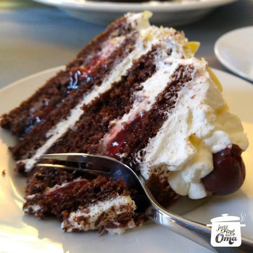 Easiest German Black Forest Cherry Cake ❤️