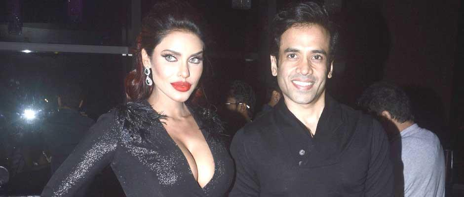 2. Tushar Kapoor is like her mentor