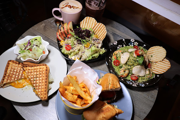 Jana cafe 嚼咖啡餐廳,台電大樓義大利麵.軟法,近台電大樓站,師大商圈,巷弄美食,平價,聚餐首選,帕尼尼,炸物
