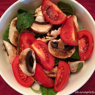 Super Easy Tomato, Mushroom, Spinach Salad.