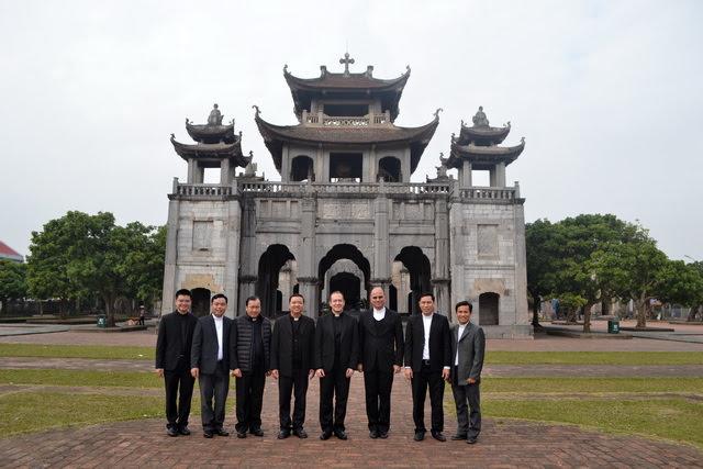 Phái đoàn Bộ Ngoại Giao của Tòa Thánh thăm Giáo phận Phát Diệm - Ảnh minh hoạ 3