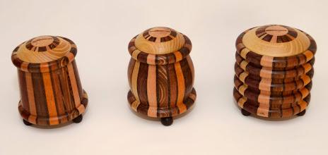 Photo: spaarpoten h12 cm  b10 cm 35 euro per stuk  rechts nog tekoop