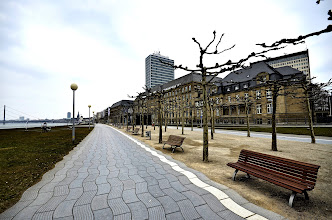 Photo: Rheinpromenade Düsseldorf