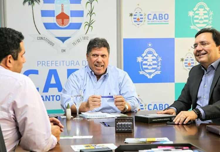 Em manobra Lula Cabral tenta mais uma vez aprovar empréstimo de 90 milhões na Câmara do Cabo