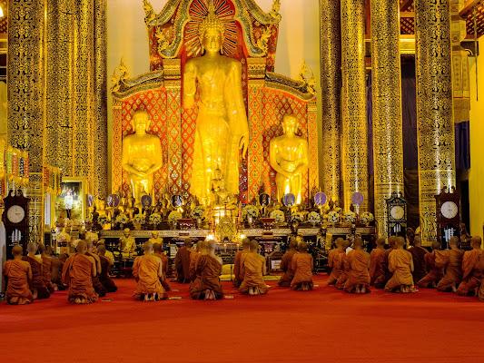 Monaci Buddhisti in Thailandia di Fabien