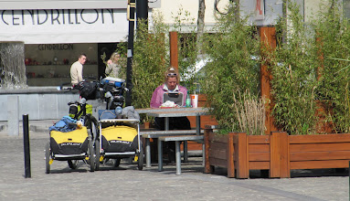 Photo: Day 10 - Dee Blogging in the Square in Valenciennes