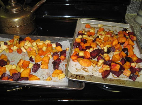 Heat oil in a pan and quickly fry the vegetables until just coloured.