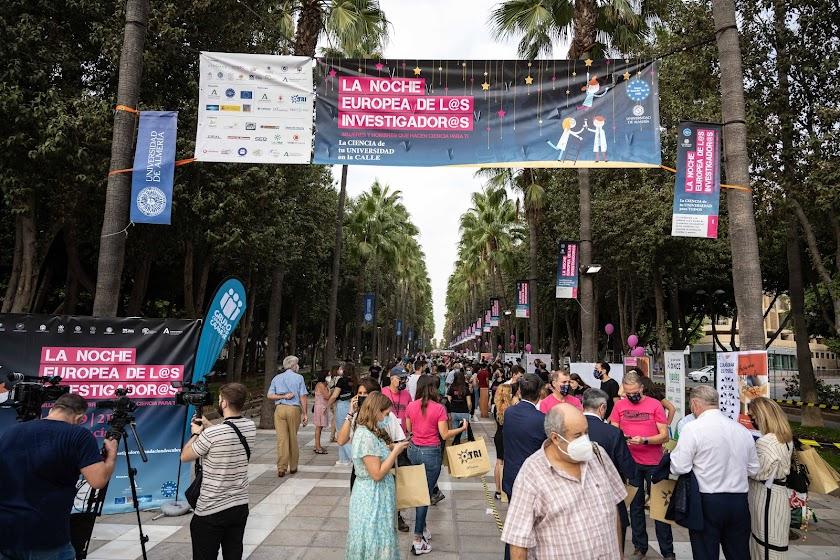 El centro de Almería se llena de ciencia