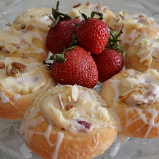 Strawberry Mascarpone Danish Breakfast Ring