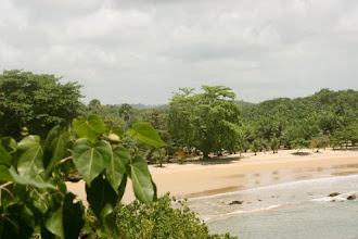 Photo: Ezile bay www.ezilebay.com  vu de la péninsule, #Akwidaa, westcoast, #Ghana
