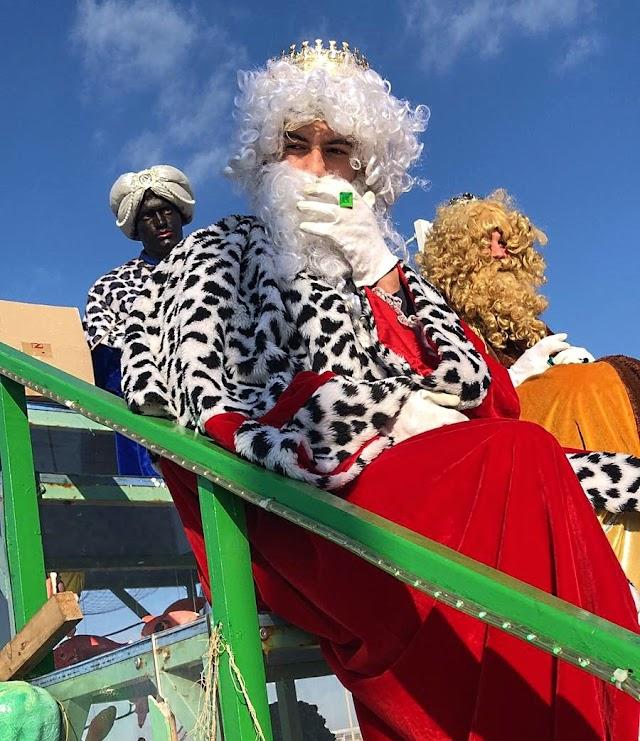 Los Reyes Magos en la cabalgata que acogió Pujaire.