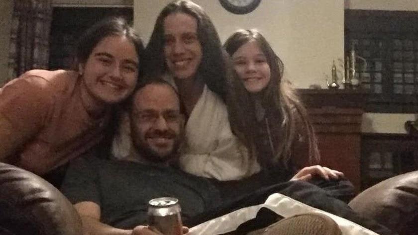 María Ruiz, a la izquierda, con la familia norteamericana con la que ha vivido este curso.