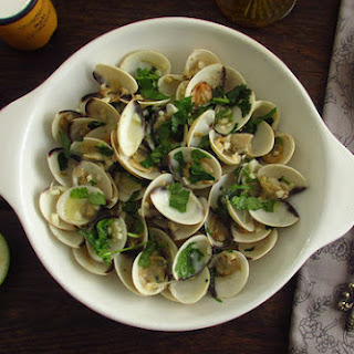 PORTUGUESE CLAMS IN GARLIC SAUCE