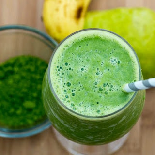 Matcha Pear Green Smoothie.