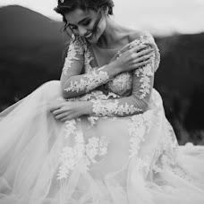 Wedding photographer Nadya Ravlyuk (VINproduction). Photo of 20.08.2017