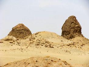 Photo: zerfallende Pyramiden