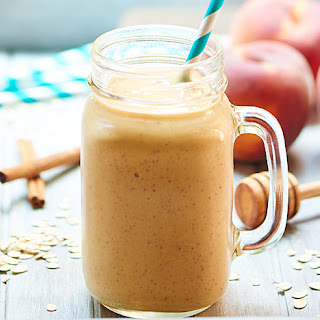 Healthy Peach Cobbler Smoothie