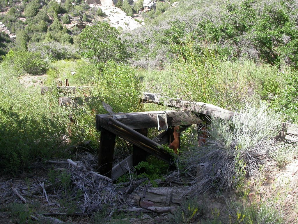 Photo: Bridge 107-A or 108-A, facing east.  This was the only bridge that had at least some of the stringers left.