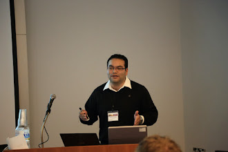 Photo: Robot Reinforcement Learning using Crowdsourced Rewards, Christain Penaloza