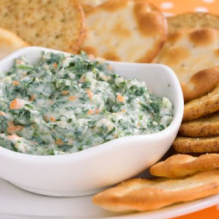 Copycat Olive Garden Hot Artichoke and Spinach Dip