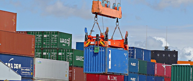 Doanh nghiệp sản xuất, xuất nhập khẩu nên gửi hàng đi Mỹ bằng đường biển