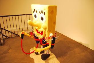 """Photo: Deschler Galerie: Patricia Waller Broken Heroes """"Bob Spongehead"""""""